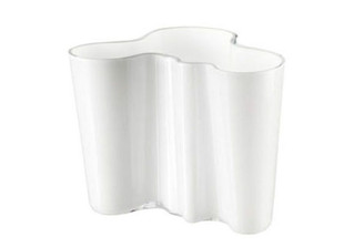 "Iittala Alvar Aalto Collection Vase (6.25""), White"