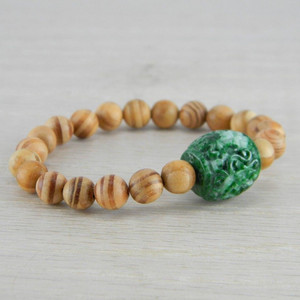 Hand Carved Green Vintage Antique Jadeite Jade Wooden Bead Bracelet FN-B121