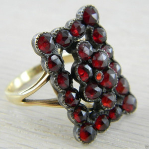 14K Yellow Gold Victorian Bohemian Garnet Vintage Antique Ring