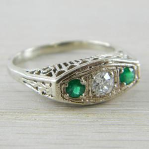 14K White Gold Vintage Emerald Diamond 3 Stone Art Deco Filigree Ring