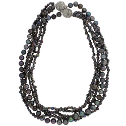 Layered pearl necklaces with magnetic clasp in grey