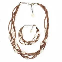 Suede and pearl necklace and bracelet