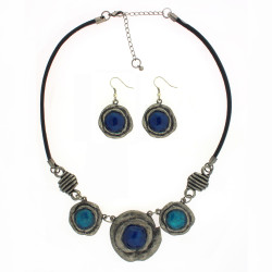 Circle Pendant Jewelry Set with Necklace and Earrings In Blue