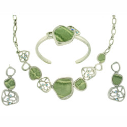 Modern Necklace, Bracelet, and Earring Set In Green