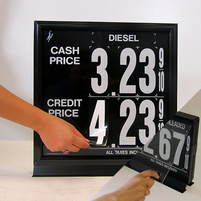 "1 Grade 2 levels M140 Series Pump Top Fuel Price sign w/ 4.5"" Magnetic Digits"