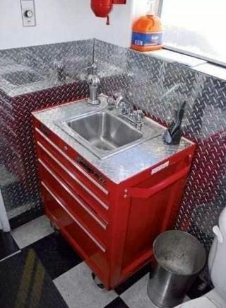 Bathroom 4 ...