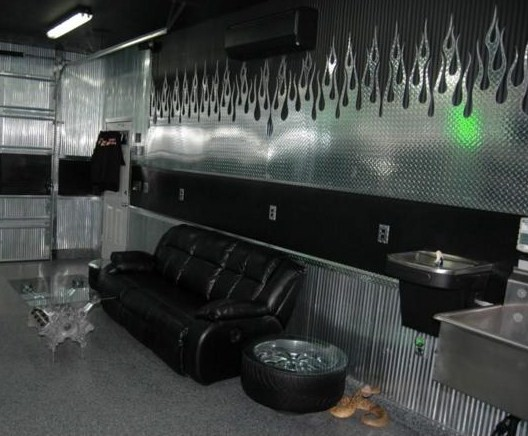 Man Cave Outlet Store : The perfect man cave using diamond plate cutsmetal