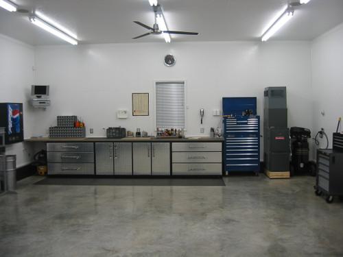 ... Garage   Cosmetic Diamond Plate Veneer Over Cabinets. Image 1