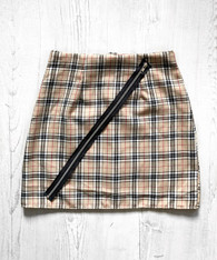 Check Me Out! Tartan zip skirt