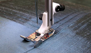 "1/4"" Edge Stitching Foot Item #: 412914146"