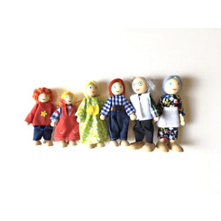 Fun Factory Wooden Doll House Family of 6
