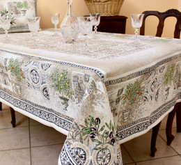 Riviera 145 x 260cm Heave French Jacquard Tapestry Style Tablecloth/Throw