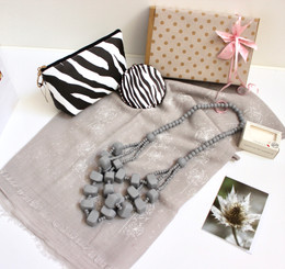GIFTBOX for Her - Dandelion grey 017