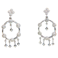 Diamond Drop Earrings in 18kt white gold