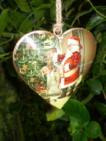 Gorgeous Vintage metal Christmas heart,stunning hanging decoration.