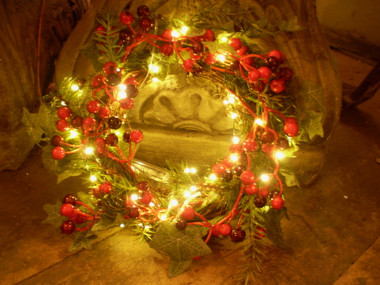 gorgeous english made led litelight christmas faux berry wreathfairy lights