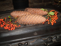 3 Swedish Christmas Scented Pine Cones Decoration, Gorgeous fragrance of Cloves, cinnamon