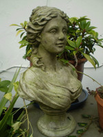 Architectural Salvage, Vintage English Lady Statue in Lovely Condition, Garden Reclamation