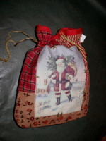 Vintage style shabby chic Christmas gift bag, Style A.