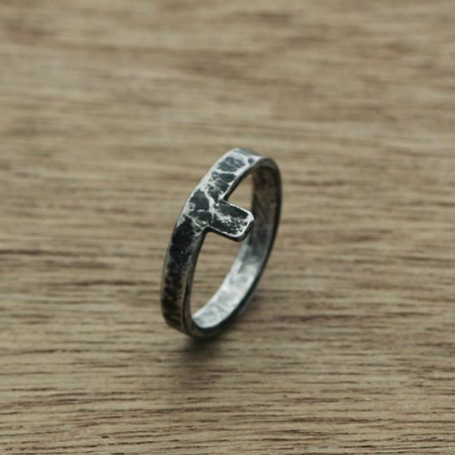 Rustic line ring