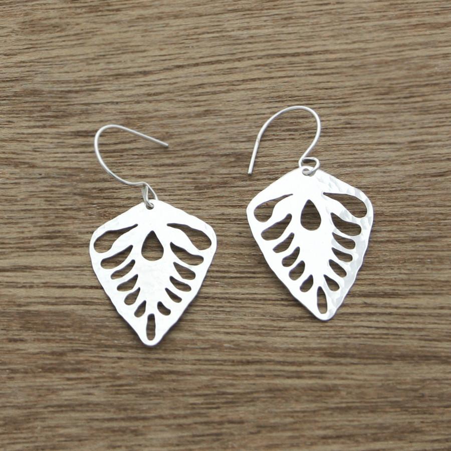 Leaf deco earrings