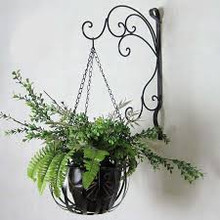 Aidelle Hanging Flower Basket / Wall Planter