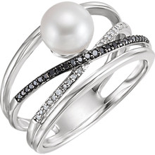 This lovely 14k white gold ring features a white freshwater cultured pearl with diamond accents. Diamonds are 1/8ctw, H or better in color, and I3 or better in clarity.