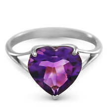 A simple and elegant gold band made of high quality gold, available in yellow, white, or rose gold, hugs the finger elegantly when spotlighting this glamorous piece. An amazing 3.10 carat heart amethyst stone sparkles unbelievably, with a color that can dress up any outfit. This showstopping ring makes a jaw dropping gift for those born in February.