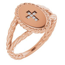 Add a touch of style and grace to your outfit with this graceful cross with diamonds in 14 karat rose gold. Featuring 6 enticing diamonds totaling 0.02 carats.