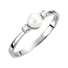 This beautiful pearl and diamond ring is both fashionable and classy. Seated at the top of the 14k white gold ring is a 4.5mm white freshwater cultured pearl. Diamonds are .04ctw, G or better in Color, and I1 or better in Clarity.