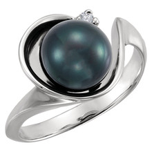 This charming akoya cultured pearl and 14k white gold ring adds understated class to any outfit, making it great with either everyday wear or for special occasions. Completing the look, the 8mm pearl is accented by a small diamond.
