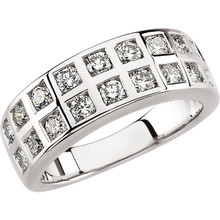 Product Specification  Quality: 14K White Gold  Jewelry State: Complete With Stone  Total Carat Weight: 1 1/4  Ring Size: 06.00  Stone Type: Diamond  Stone Shape: Round  Stone Color: H-I  Stone Clarity: SI1-SI2  Weight: 7.00 grams  Finished State: Polished
