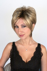 Kelly with Roots Wig in Creamy Toffee-R