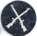 WW2 LUFTWAFFE FLIGHT & AIR SIGNALS ARMORERS Sleeve Insignia (921F07330)