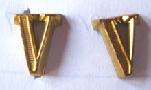 WW2 German Army Officer Roman Numeral 'V' Shoulder Board Ciphers, Gold, 10mm, Pair