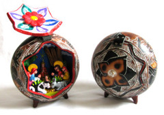 Fair Trade Retablo Nativity in a Gourd from Peru