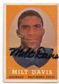 MILT DAVIS BALTIMORE COLTS AUTOGRAPHED VINTAGE ROOKIE FOOTBALL CARD #21916C