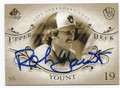 ROBIN YOUNT MILWAUKEE BREWERS AUTOGRAPHED BASEBALL CARD #62616A
