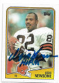 OZZIE NEWSOME CLEVELAND BROWNS AUTOGRAPHED VINTAGE FOOTBALL CARD #82320E
