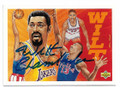 WILT CHAMBERLAIN LOS ANGELES LAKERS AUTOGRAPHED VINTAGE BASKETBALL CARD #102620F