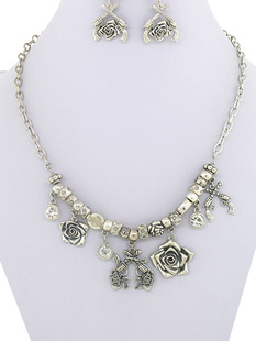 Guns + Roses Necklace with Cross Pistol Earrings / Silver