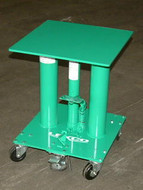 Lexco 300 lb Capacity Foot Operated Hydraulic Lift Table - 492227