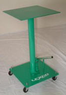 Lexco 200 lb Capacity Foot Operated Hydraulic Lift Tables - 492222