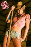 LNOE: Jenny, The Farmer's Daughter Pin-up Poster-Art Print