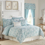 Corscill Willa Comforter Set