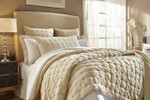 Orchids Lux Home Bailey Quilt - Champagne