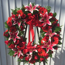 HEARTFELT CONDOLENCES WREATH