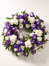 A HEAVENLY STANDING WREATH