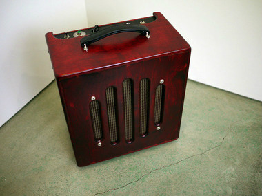 SeQuel RAVINE. Jazz Tube Amp. Reference grade amplifier with state of the art components. Hear your guitar the way the luthier intended.