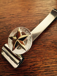 Handsome large Sliver-tone tooled circular setting with a beautiful Gold-tone Texas Star